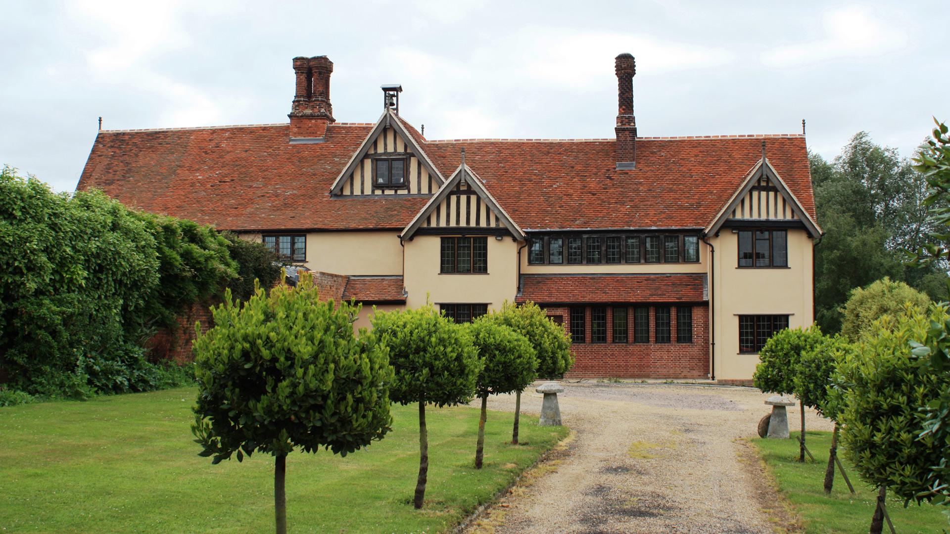 Lyons Hall Braintree, Grade II *